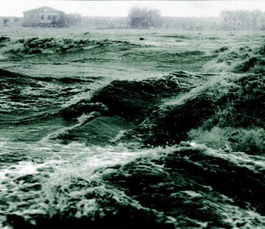 Alluvione del Polesine del novembre 1951. 100 vittime, 180.000 senzatetto.
