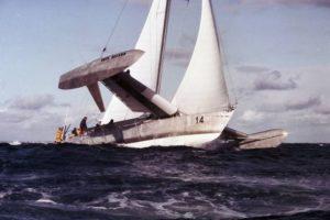 """Il """"Paul Ricard"""", trimarano in alluminio, vincitore di record nel 1980, figlio della progettazione aeronautica."""