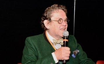 Philippe Daverio durante la sua Lectio Magistralis tra arte, cultura ed enogastronomia per la giornata conclusiva dell'Anno del Cibo Italiano a Siena