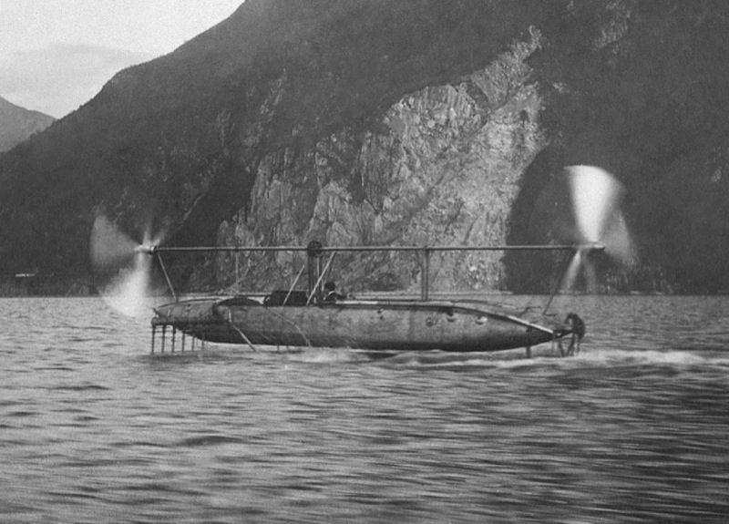 Il primo aliscafo a motore di Enrico Forlanini