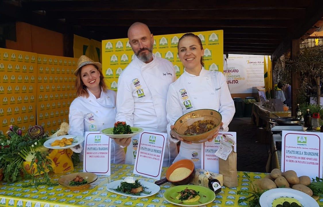 Gli agrichef Coldiretti che al mercato di Campagna Amica del Circo Massimo a Roma hanno presentato i piatti della tradizione contadina