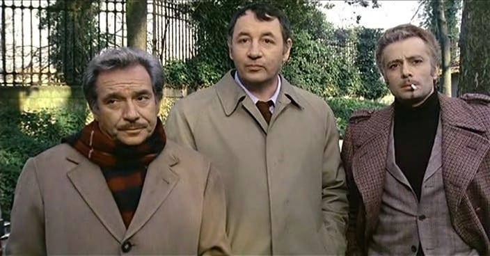Amici Miei (1975): Ugo Tognazzi è il conte Raffaello Mascetti, Philippe Noiret il giornalista Giorgio Perozzi, Duilio Del Prete è il barista Necchi.