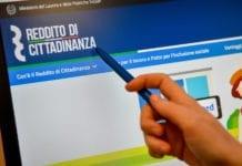 Online il sito governativo con le informazioni per richiedere il reddito di cittadinanza - Foto: Claudio Furlan LaPresse (04-02-2019 Milano)