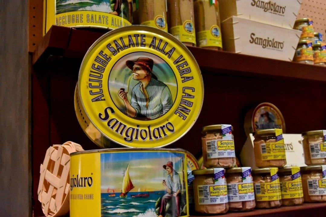 """Le """"acciughe salate alla vera carne"""" di Ghezzi Alimentari, nella linea Sangiolaro"""