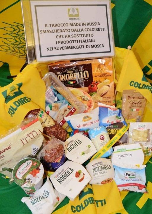 Una carrellata di falsi prodotti agroalimentari Made in Italy diffusi in Russia a causa dell'embargo