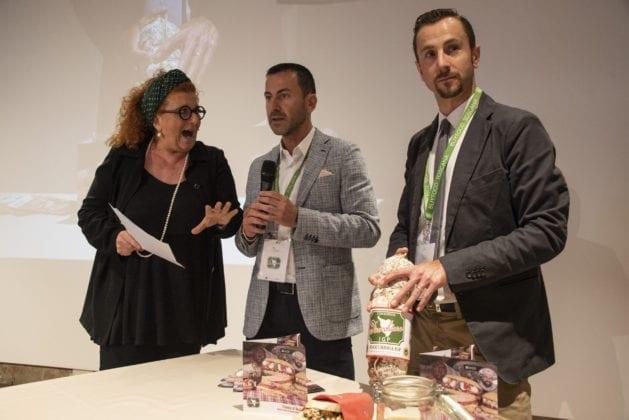 Il Consorzio Tutela Finocchiona IGP propone il suo Panino Regionale con Finocchiona IGP e prodotti simbolo della Toscana