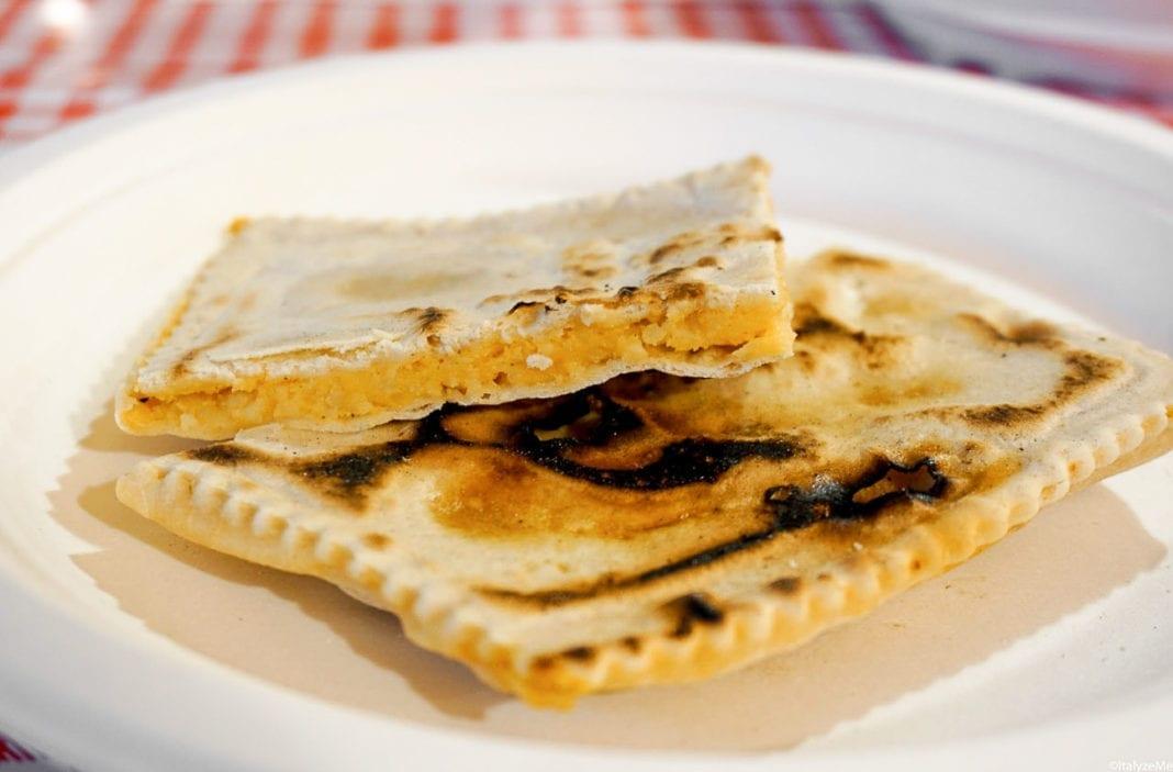 I tortelli alla lastra di Corezzo (Chiusi della Verna) - photo credit: ItalyzeMe