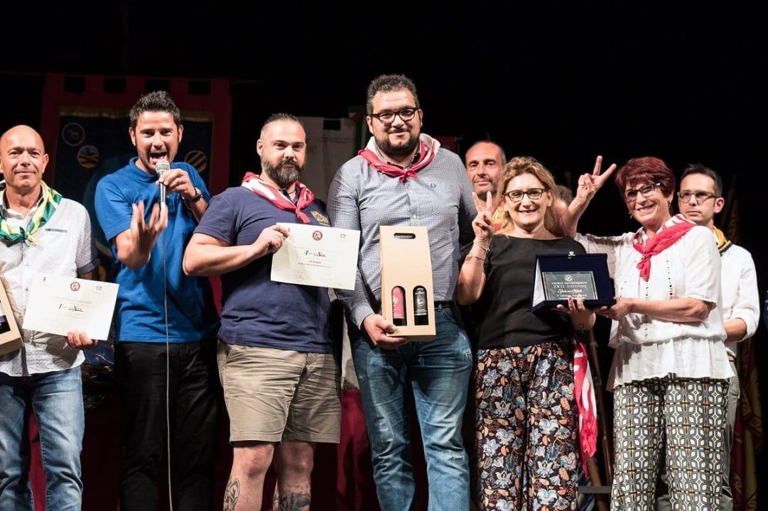 """La cerimonia di premiazione dell'edizione 2019 del concorso """"A Tavola con il Nobile"""" che ha visto trionfare la contrada di San Donato"""