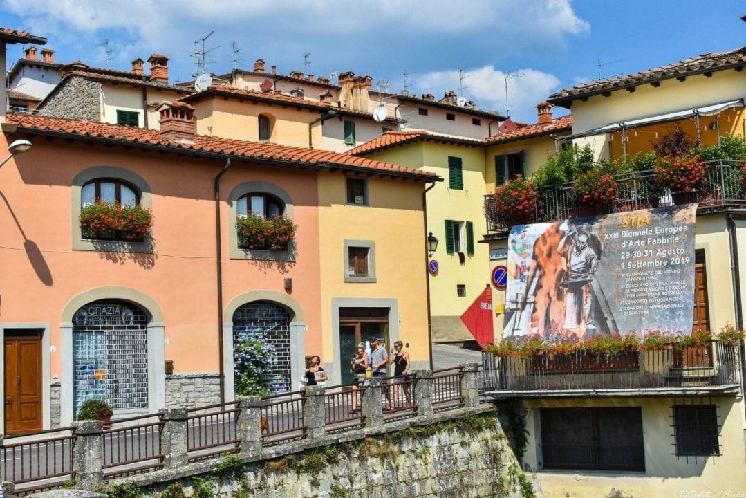 Uno scorcio di Stia (Casentino), che lo scorso weekend ha ospitato la XXIII Biennale di Arte Fabbrile